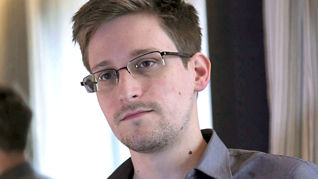 Edward Snowden Gives Tips on Internet Privacy